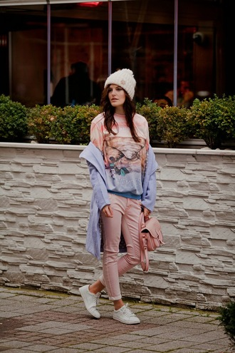 the bow-tie blogger printed sweater pink bag blue coat