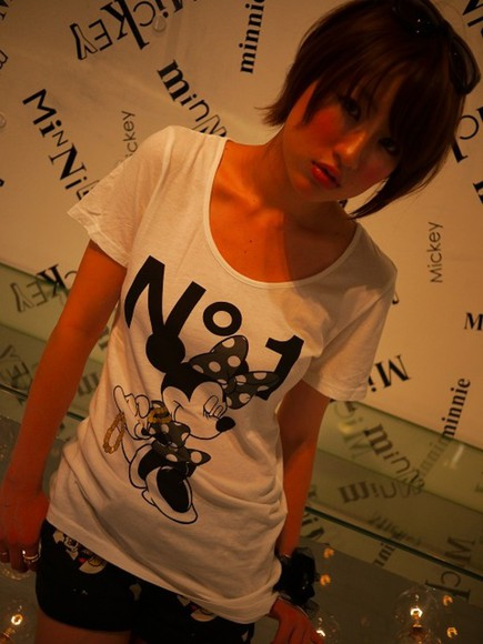 minnie mouse v-neck white t-shirt black t-shirt yellow t-shirt brown t-shirt