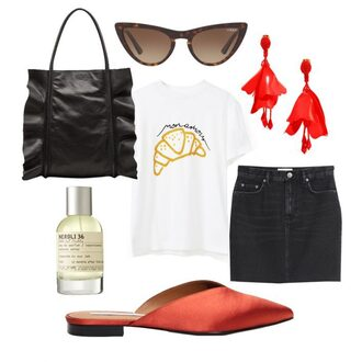 carolines mode blogger bag sunglasses jewels t-shirt skirt summer outfits white t-shirt tote bag flats denim skirt