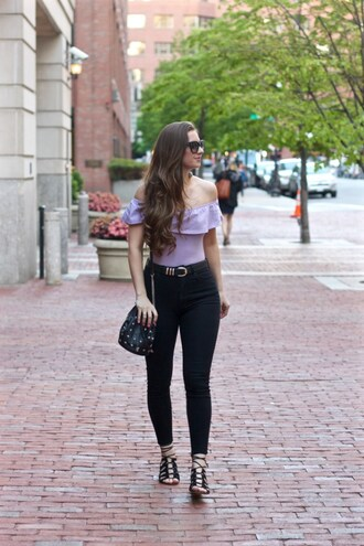 lamariposa blogger jeans shoes bag jewels sunglasses belt