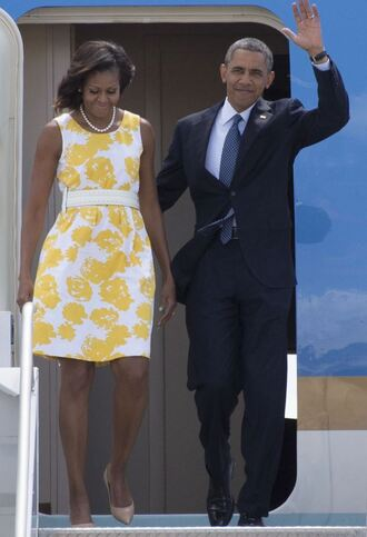 dress michelle obama barack obama yellow dress pumps summer dress first lady outfits