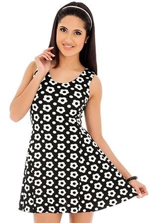 Sleeveless Monochrome Floral Print Skater Dress