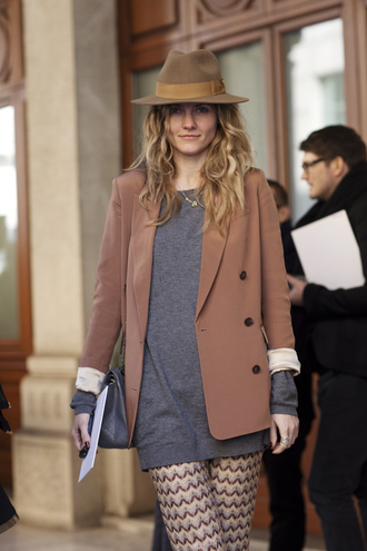 leggings blazer hat brown pants pink pants