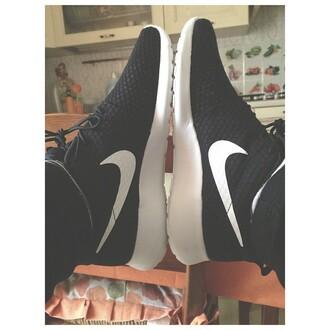 shoes nike black black nike shoe black nike shoes