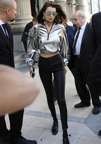 sweater hoodie silver metallic streetstyle milan fashion week 2016 model off-duty bella hadid pants leggings cropped crop tops