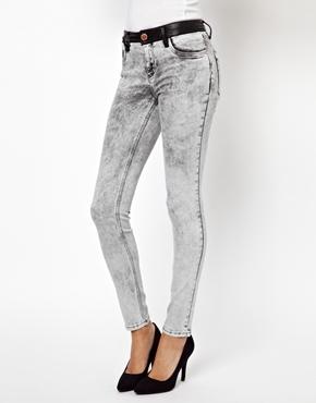 River Island | Супероблегающие серые джинсы с эффектом кислотной стирки RiverIsland на ASOS