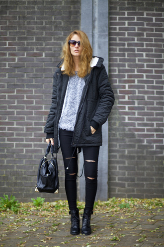 from brussels with love blogger black ripped jeans fuzzy sweater