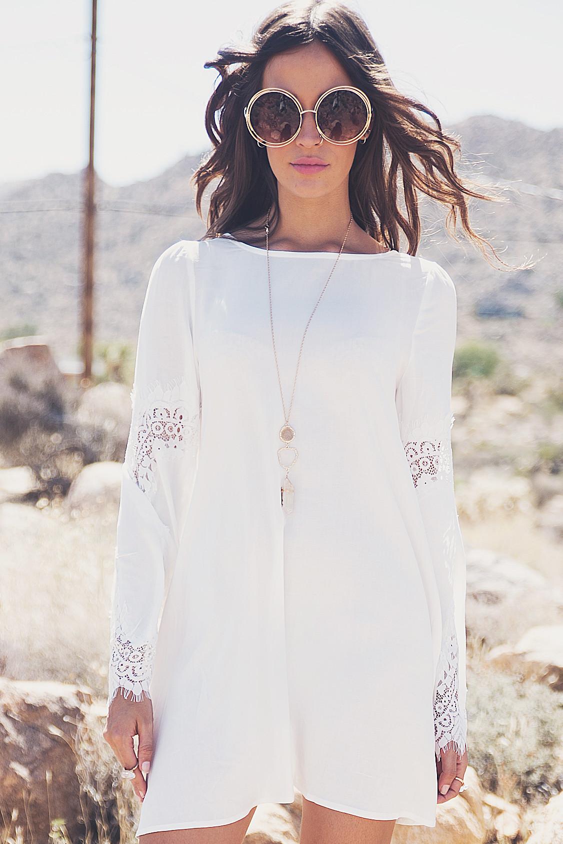 Aviana Lace Bell Sleeve Dress