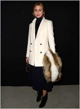 coat olivia palermo fur scarf