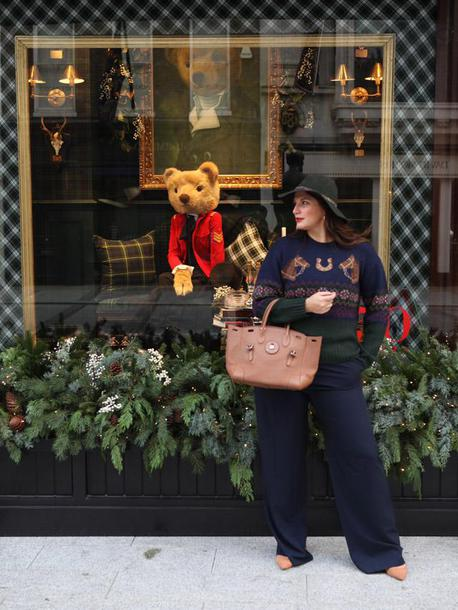 fashion foie gras blogger sweater bag pants