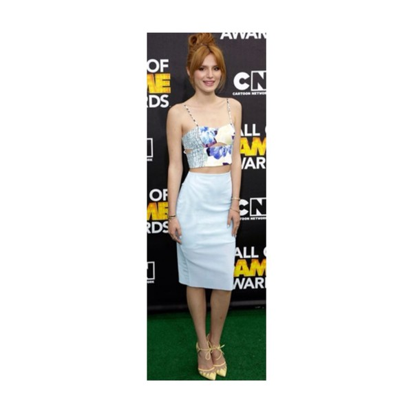 top top heels bella thorne red carpet outfit top and skirt set cartoon premiere skirt skirt fashion shoes