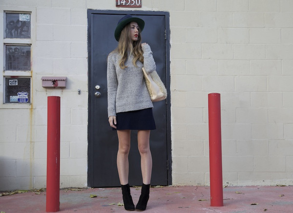 adorn la femme sweater skirt bag hat shoes
