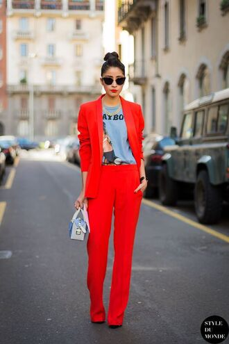pants white and blue bag red pants top blue top printed top blazer red blazer bag sunglasses black sunglasses office outfits