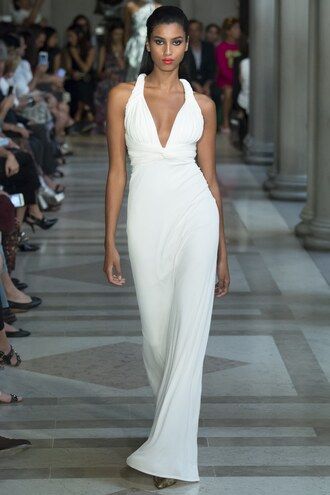 dress imaan hammam gown white dress white wedding dress ny fashion week 2016 carolina herrera runway model plunge dress