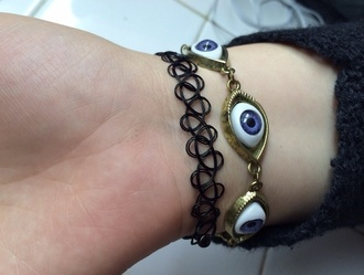 jewels eyes eye tumblr bracelets swirl chain bracelet chain henna black grey vintage fluffy cool 90s style goth pastel goth eyeball blue creepy eye choker tattoo braclette hippie indie boho tattoo coker small style angsty grunge art hoe
