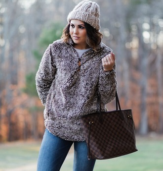 sweater hat bag life & messy hair blogger