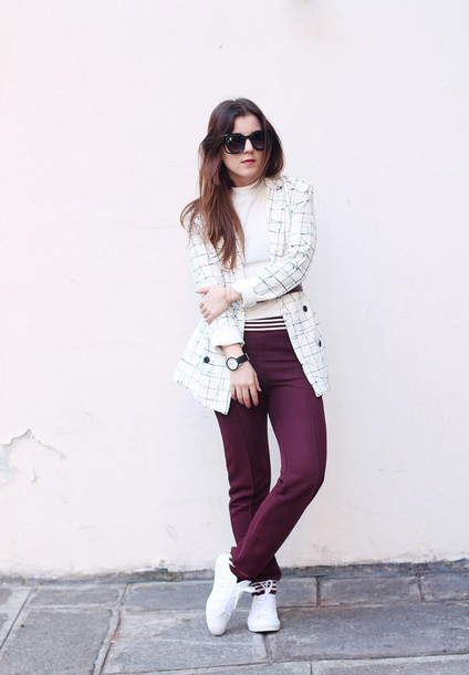 elodie in paris blogger coat top pants belt jacket sunglasses jewels shoes
