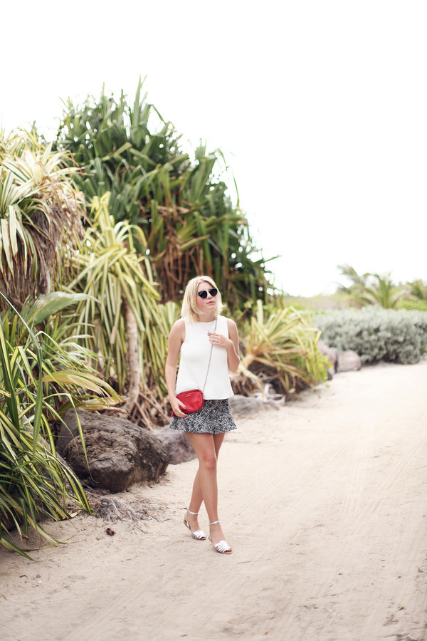 into the fold skirt t-shirt shoes bag sunglasses