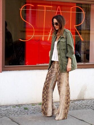 nina @ www.helloshopping.de - it's a blog. blogger coat top pants