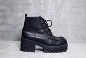 shoes,black,heels,combat boots,boots,lace up