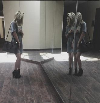 dress beatrice miller grey dress t-shirt dress black shoes grunge black bag celebrity leggings blonde hair