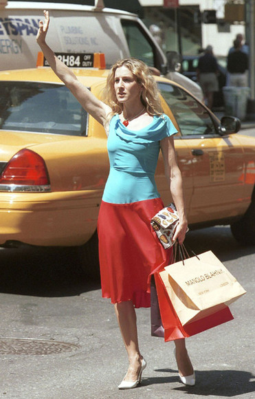 white sex and the city bag fashion cute blonde hair hairstyles look carrie bradshaw carrie sarah jessica parker sjp fruit pop yellow red girl ananas assassin's creed cosplay costumes carrie diaries series