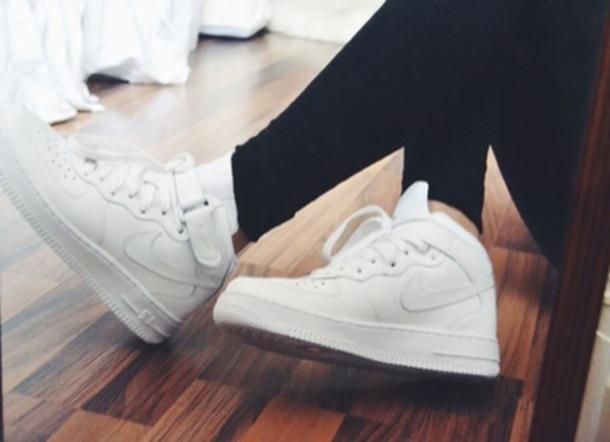 shoes sneakers nikes nike sneakers nike shoes white nikes white cute shoes  high top sneakers lowtops. 9b01fb3dd