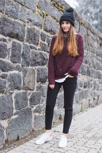 simple et chic blogger sweater pom pom beanie burgundy sweater white sneakers adidas shoes winter swag