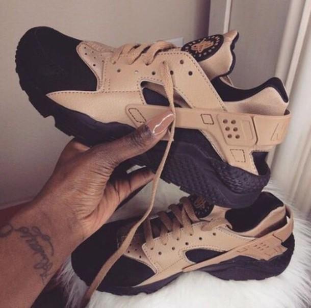 shoes nike perfect street style girl. huarache nike air huaraches air huarache nike shoes