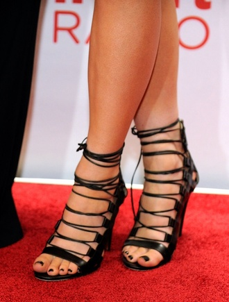 shoes black strappy heels kylie jenner straps high heels