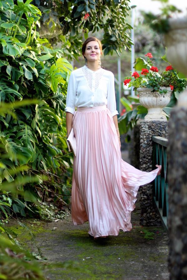 b64cf432ec marilyn's closet blog blogger skirt shoes bag jewels blouse make-up