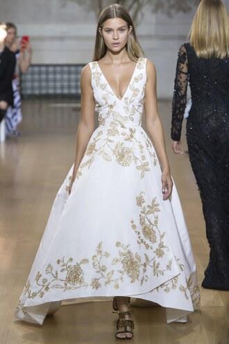 dress josephine skriver runway model ny fashion week 2016 oscar de la renta gown prom dress wedding dress