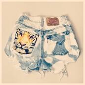 shorts,sexy,cats,tiger,ripped,denim,levi's,vintage,bleached shorts,distressed denim shorts,shirt