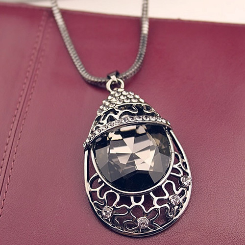 [grxjy5100313]Fashion Rhinestone Water-drop Shaped Gemstone Pendant Necklace