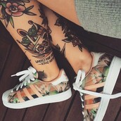 shoes,tattoo,want these,peach,orange,adidas,adidas shoes,beautiful,adidas superstars,floral print shoes