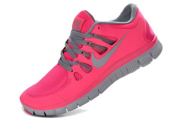 shoes size 7 pink nike free run 5.0