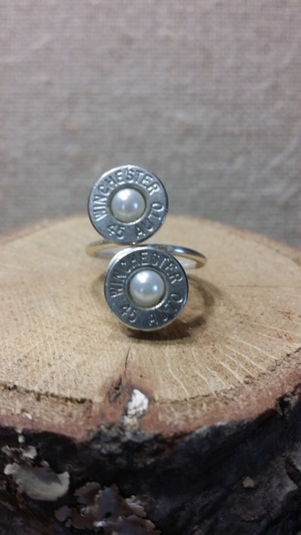 jewels bullet pearl ring