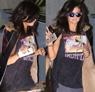 selena gomez black t-shirt