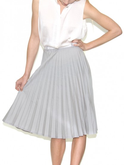 Pleated skirt at gargyle