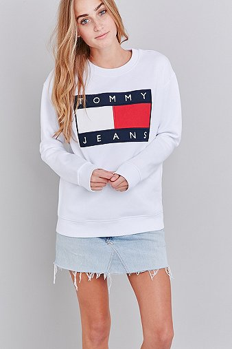35528bbf UO Exclusive Tommy Jeans White Crew Neck Sweatshirt - Urban Outfitters