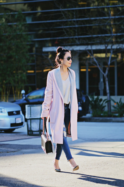 hallie daily blogger coat sunglasses long coat baby pink ripped jeans