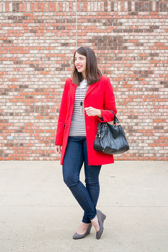 styleontarget blogger t-shirt jewels coat bag winter outfits red coat wedges fall outfits