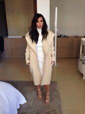 coat,kim kardashian,fashion,beige coat,winter coat,beige,trendy,kim kardashian style,cream