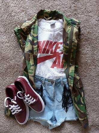 shirt army green jacket camouflage clothes miltary fashion shoes blouse jacket camo jacket short sleeve shorts t-shirt nike nike air grey denim shorts vest nike t shirt nike shirt army green red red vans red shoes nike shirts cardigan top sleeveless