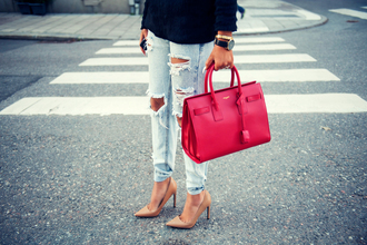 fanny lyckman blogger jewels ripped jeans bag red nude high heels red bag