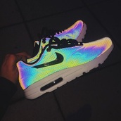 shoes,nikes,silver,sneakers,aluminum,nike shoes,nike,bright,holographic,shorts,nike air,colorful nikes,air max,colorful,nike pastel,rainbow,beautyful,reflection,zilver,glow in the dark shoes