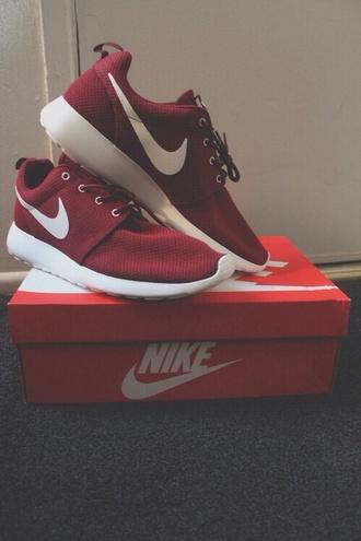 shoes nike roshe run bordeaux