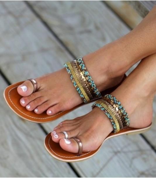 shoes, flip-flops, toe ring sandals