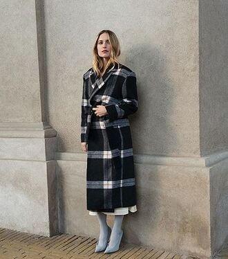 coat pernille teisbaek instagram blogger winter coat