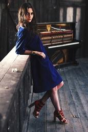 oh my blog,blogger,dress,thick heel,blue dress,three-quarter sleeves,red heels